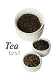 Zusammenstellung des trockenen Tees in den weißen Schüsseln Lizenzfreie Stockfotos
