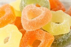 Zusammenstellung von bunten Fruchtgeleesüßigkeiten Lizenzfreies Stockfoto