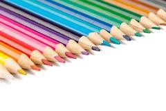 Zusammenstellung von farbigen hölzernen Zeichnungsbleistiften Lizenzfreies Stockfoto
