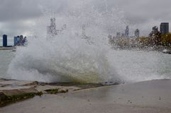 Zusammenstoßende Wellen V Stockfoto