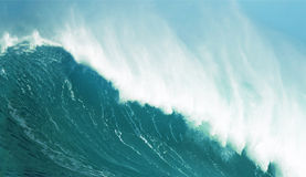 Zusammenstoßender Wellenabschluß oben stockfotos