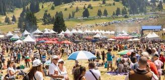 Zuschauer am Festival von Rozhen 2015 in Bulgarien Lizenzfreies Stockbild