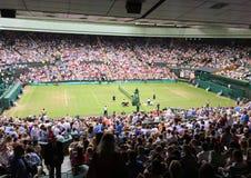 Zuschauer am Mitte-Gericht in Wimbledon stockbild