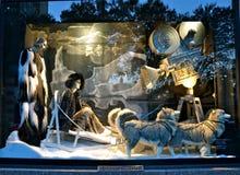 Zuschaueransichtfeiertags-Fensteranzeige bei Bergdorf Goodman in NYC Stockbilder
