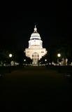 Zustand-Kapitol-Gebäude nachts in im Stadtzentrum gelegenem Austin, Texas lizenzfreie stockbilder