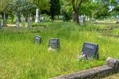 Zuster Mother Dad Gravestones in Riddersveerboot stock afbeelding
