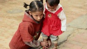 Zusters in Nepal stock videobeelden