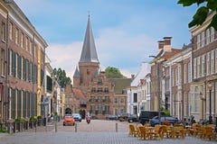ZUTPHEN NEDERLÄNDERNA - JULI 15, 2016: Sikt på marketsquaren Royaltyfri Foto