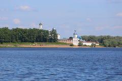 Zverin-Pokrovsky kloster i Novgorod Arkivfoton