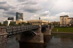 Zverynasbrug in Vilnius, Litouwen stock afbeelding