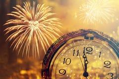 Zwölf O-` Uhr - neues Jahr ` s Vorabend Stockbild