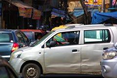 Zwaar Autoverkeer in Delhi stock afbeelding