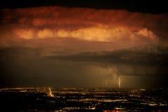 Zwaar Onweer boven de Stad Royalty-vrije Stock Afbeelding