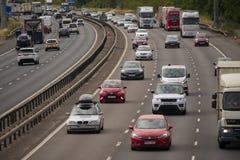 Zwaar verkeer op de M1 Autosnelweg Royalty-vrije Stock Foto's