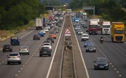Zwaar verkeer op de M1 Autosnelweg Royalty-vrije Stock Foto