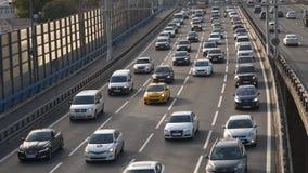 Zwaar verkeer op Snelweg stock video