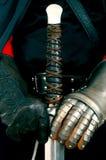 Zwaard & handschoenen Royalty-vrije Stock Foto's