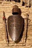 Zwaarden, schild en helm Stock Foto's