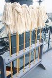 Zwabbers bij slagschip Stock Foto's