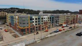 Zwalnia przedniego widok z lotu ptaka nowa budynek mieszkaniowy budowa zbiory