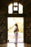 Zwanger moederschaps zijaanzicht Royalty-vrije Stock Fotografie