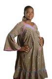 Zwangere Afrikaanse vrouw in traditionele kleren Stock Afbeelding