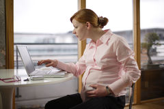 Zwangere en het werk variaties royalty-vrije stock afbeeldingen