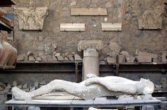 Zwangere vrouw die van Pompei wordt gegoten Royalty-vrije Stock Afbeeldingen