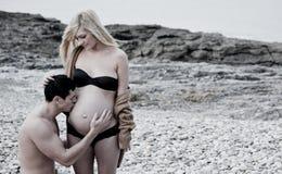 Zwangere vrouw met de mens Royalty-vrije Stock Fotografie