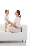 Zwangere vrouw met peuter Royalty-vrije Stock Foto's