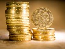 Zwanzig französische Franken Münzen Stockfotos