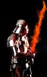 Zware gepantserde ridder in gevechtspositie Royalty-vrije Stock Afbeelding