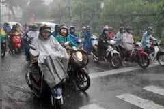 Zware regen, regenachtig seizoen bij Ho Chi Minh-stad Stock Afbeeldingen