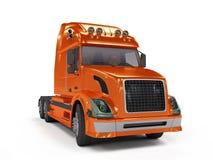 Zware rode vrachtwagen die op wit wordt geïsoleerde Stock Afbeeldingen