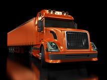 Zware rode vrachtwagen die op zwarte wordt geïsoleerdw Royalty-vrije Stock Foto