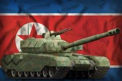 Zware tank met boscamouflage op de Democratische nationale de vlagachtergrond van de Volksrepubliek van Korea Noord-Korea 3d illu Royalty-vrije Stock Afbeeldingen