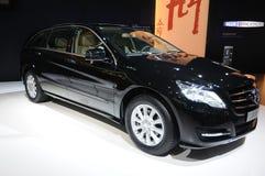 Zwart Benz r 350 l van Mercedes suv royalty-vrije stock afbeelding
