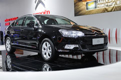 Zwart Citroën c5 stock foto