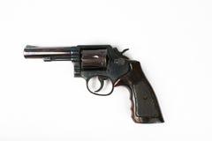 Zwart die revolverkanon op witte achtergrond wordt geïsoleerd Royalty-vrije Stock Foto's