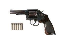 Zwart die revolverkanon op witte achtergrond wordt geïsoleerd Stock Afbeelding