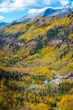 Zwart draag de Dalingskleuren Autumn Landscape van Colorado van het Pastelluride Stock Foto