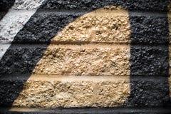 Zwart en Gouden Zilveren Gray Brick Wall Background stock foto