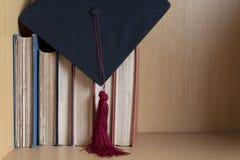 Zwart gediplomeerd GLB en rode leeswijzer royalty-vrije stock foto