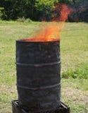 Zwart gemaakte bak met binnen brand royalty-vrije stock afbeeldingen