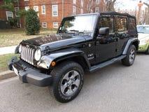 Zwart Jeep Sahara Off Road 4X4 Stock Afbeeldingen