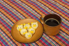 Zwart koffie en koekje Stock Afbeeldingen