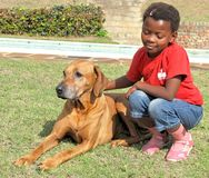 Zwart meisje met huisdier Royalty-vrije Stock Afbeelding