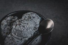 Zwart sesamroomijs Stock Afbeeldingen