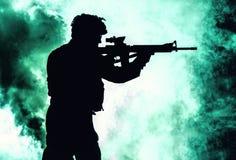 Zwart silhouet van militair stock foto