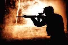 Zwart silhouet van militair royalty-vrije stock foto